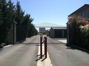 Gallery gate